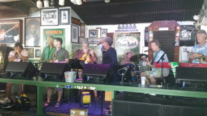 Chicago Sandy with Terri White and the Sunday Jazz Jam band at the Green Parrot